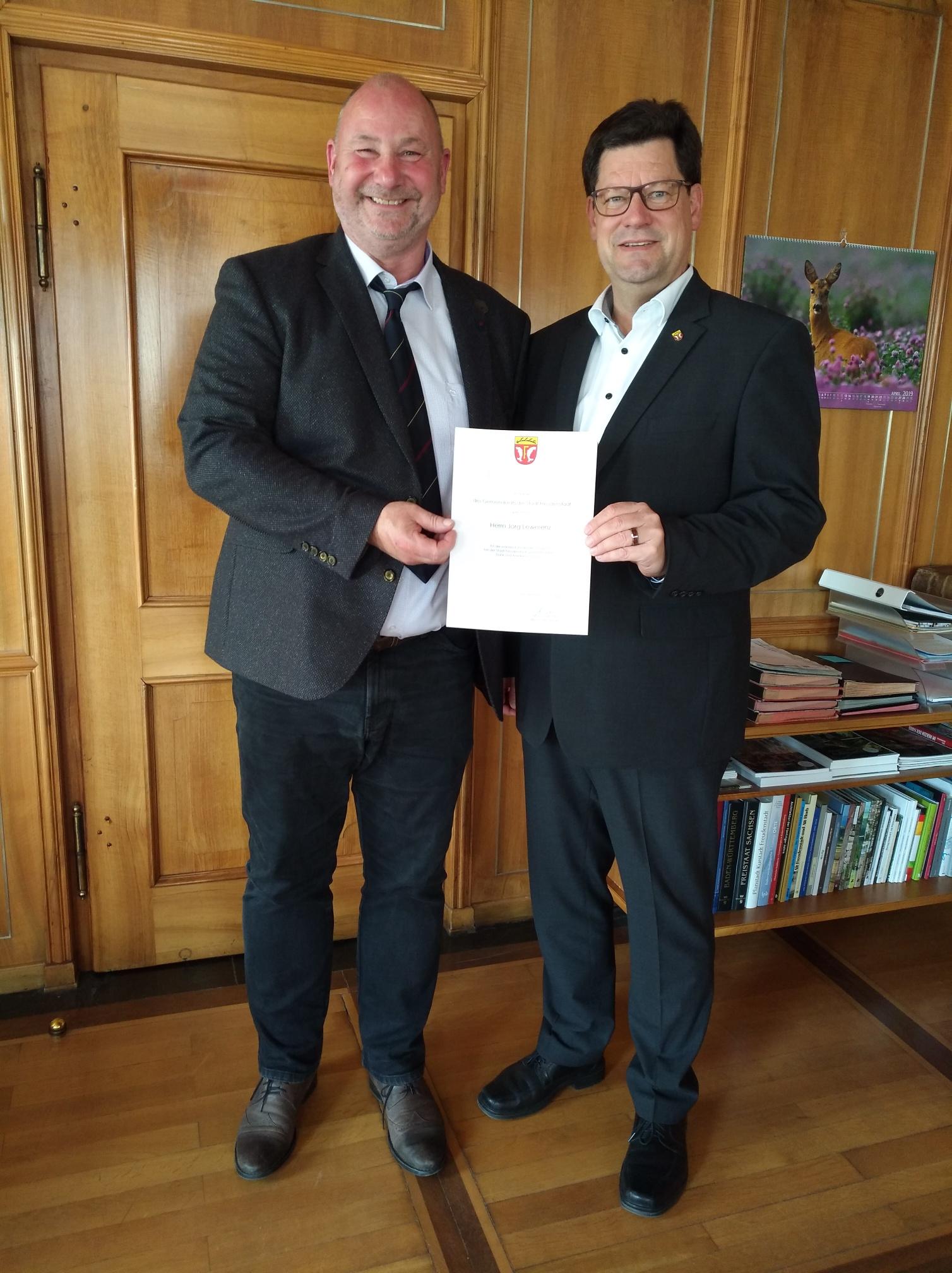 Jörg Lewerenz und OB Julian Osswald