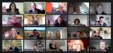 Bildschirmansicht mit vielen Teilnehmern einer Online-Konferenz
