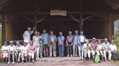 Wandergruppe an der Ellbachhütte