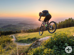 Mountainbiker auf einem Trail in der World of MTB