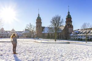 Die Stadtkirche im Winter
