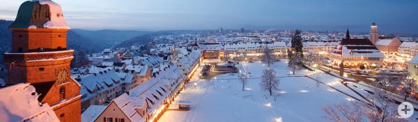 Blick auf den Unteren Marktplatz im Winter