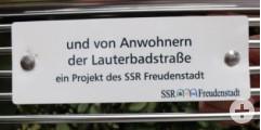 Sitzbank Lauterbadstraße mit Sponsorenschild Anwohner